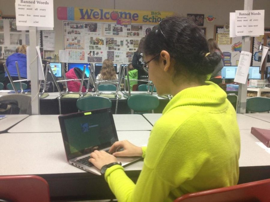Freshmen+use+their+devices+at+school+on+a+daily+basis.+She+says+it+helps+her+expand+on+knowledge.+It+also+creates+a+more+interesting+environment+for+the+students.