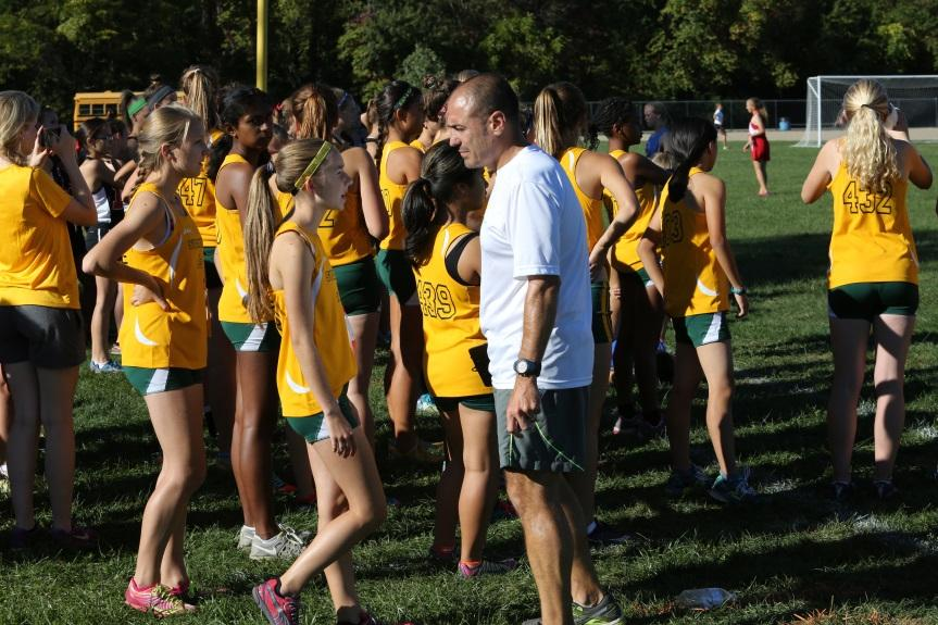 Girls+cross+country+sprints+to+first+place+finish+at+King%27s+Invitational