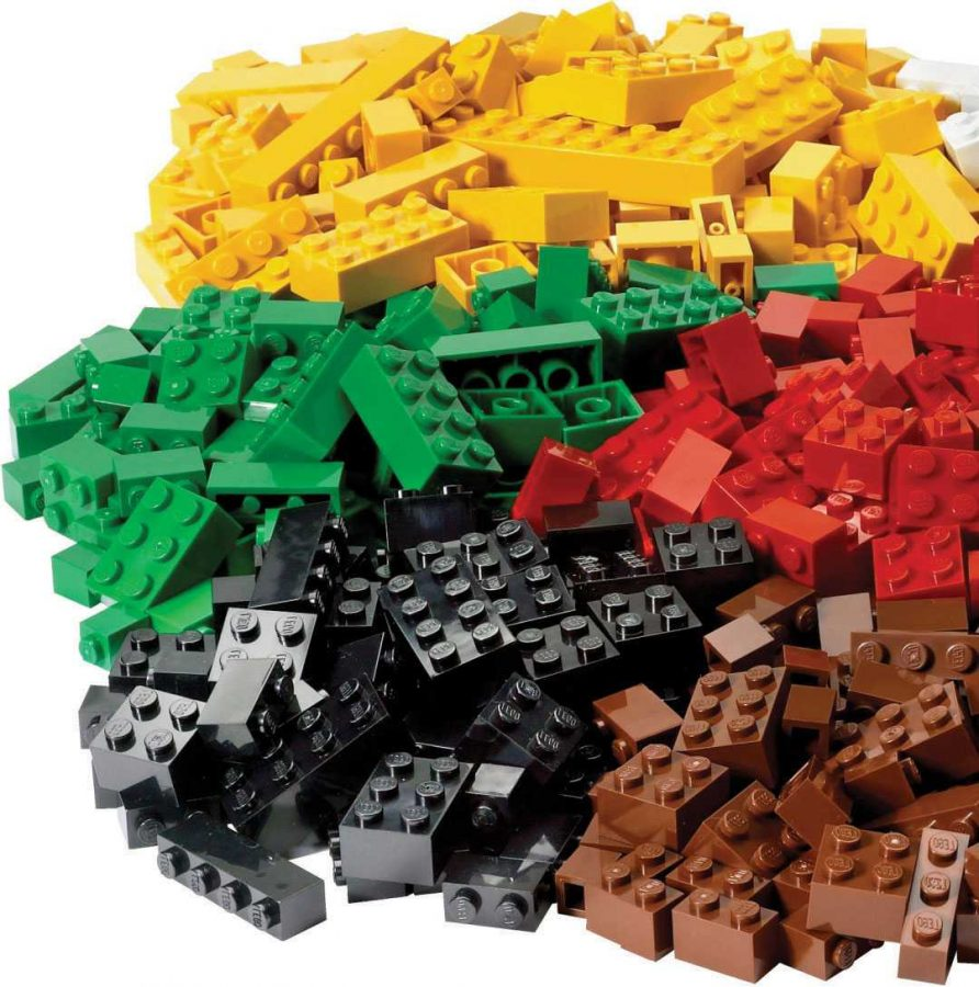 Sawaya+makes+his+masterpieces+out+of+LEGO+bricks.++These+are+very+popular+toys+for+young+boys+and+girls+that+are+turned+into+sculptures+and+artwork.++Sawaya%E2%80%99s+work+is+showcased+in+The+Art+of+the+Brick%2C+a+travelling+exhibit%2C+soon+to+be+at+Cincinnati+Museum+Center%21