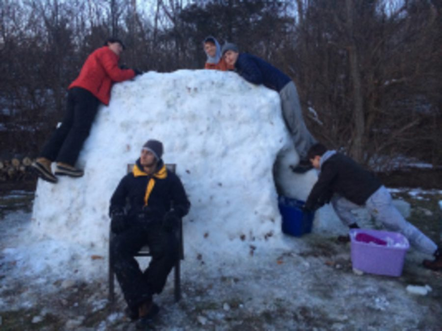 Over+14+hours+of+work+went+into+building+this+one-ton+igloo.+As+of+Feb+17%2C+the+structure+still+stands.+Senior+Martin+Gonzalez+said%2C+%E2%80%9CI+think+that+we+might+have+to+build+another+if+we+get+more+snow.%E2%80%9D+