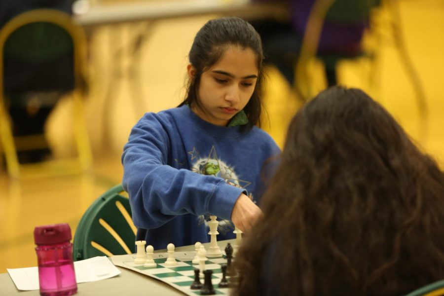 CONCENTRATE.+Junior+Nandita+Kulkarni+is+pictured%3B+she+made+it+on+to+Team+One+during+the+GMC+tournament.+Normal+games+are+forty+minutes+with+a+five+second+delay+before+each+player%E2%80%99s+time.+