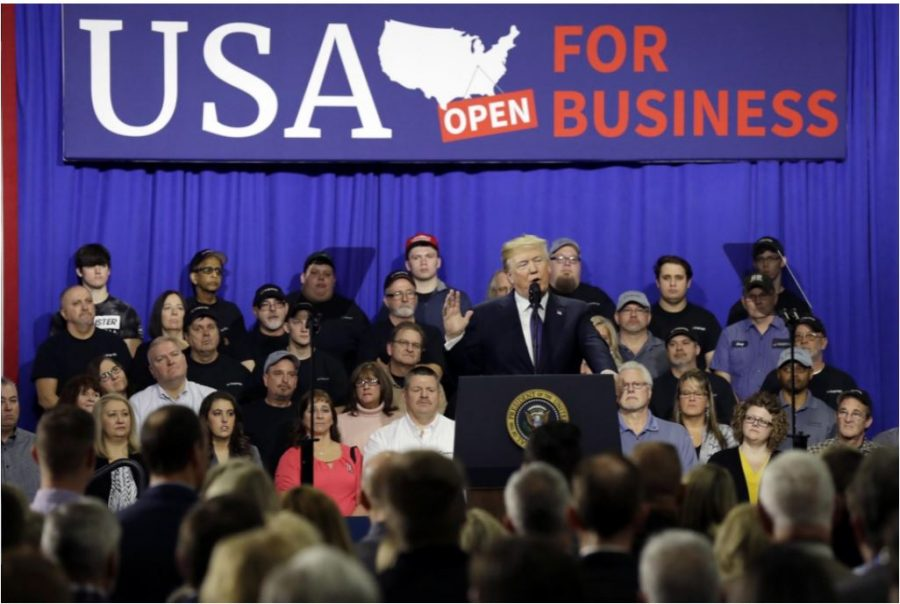ONE+TEAM.+President+Donald+Trump+speaks+about+his+tax+plan+and+the+benefits+that+families+and+individuals+will+receive+from+it+at+the+Sheffer+Corp.+on+Mon.%2C+Feb.+5.+He+claims+that+the+families+in+Ohio+will+see+a+tax+cut+of+more+than+%248+billion+in+just+this+year%2C+focusing+on+how+workers+in+particular+will+reap+the+benefits.+%E2%80%9CWe+are+one+team%2C+one+people%2C+one+family+saluting+one+country%2C%E2%80%9D+Trump+said%2C+when+talking+about+the+workers+and+families+in+the+crowd.