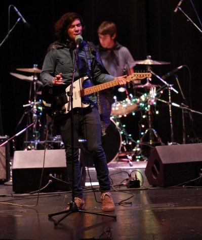 Bands sing for spotlight