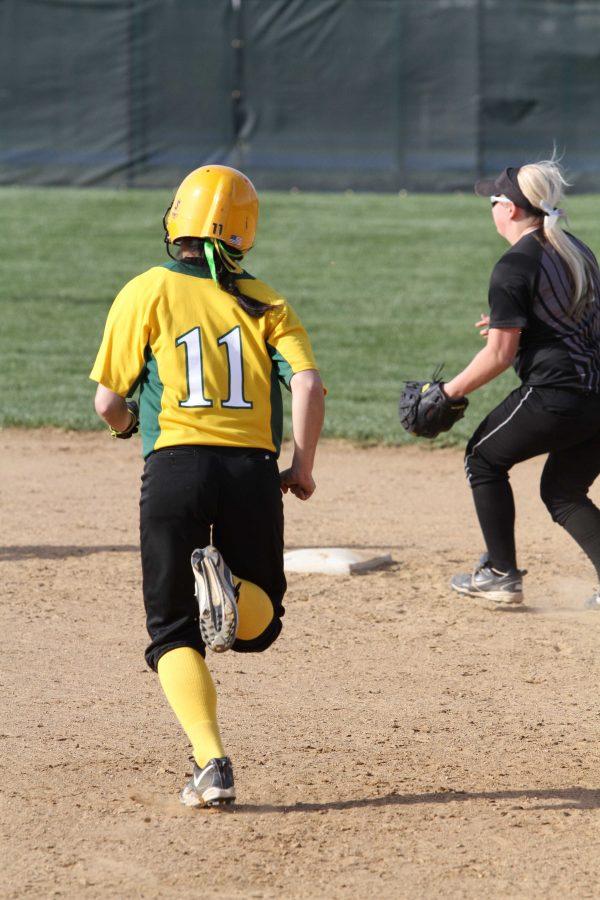 Softball strikes out against Mason