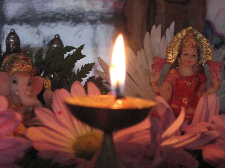 The+lighting+of+lamps+in+Diwali+is+for+more+than+one+reason.+It+is+believed+that+the+lights+would+guide+the+goddess+Lakshmi+to+Indian+homes+for+a+blessing+of+good+business.+There+is+also+a+legend+that+says+the+lights+showed+Lord+Rama+and+his+wife+Sita+the+way+home.