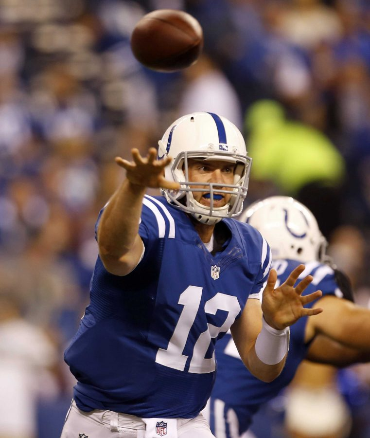 Indianapolis+quarterback+Andrew+Luck+passes+to+a+teammate+in+a+recent+Monday+night+game+against+the+Philadelphia+Eagles.+Luck+leads+the+NFL+in+total+fantasy+points+with+165.+The+top+5+leaders+in+points+are+quarterbacks.%0APhoto+by+MCT