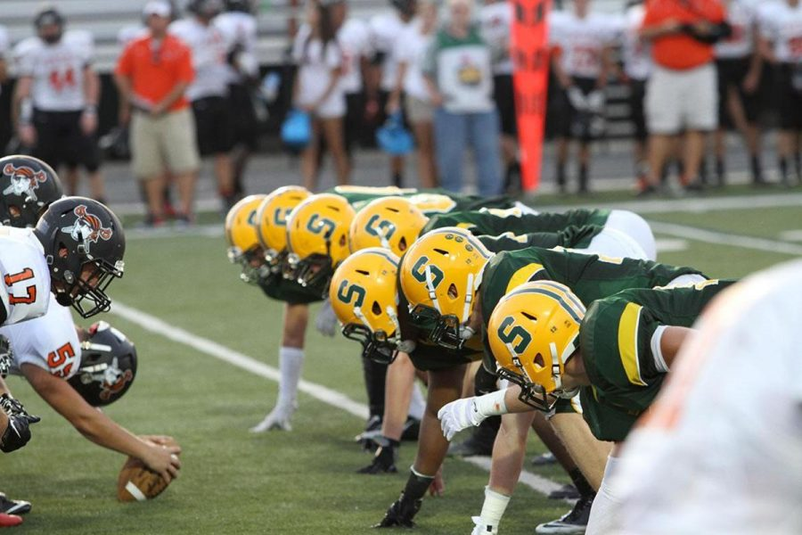 The+Aves+defensive+line+sets+up+early+in+the+Week+2+game+against+Ryle.+SHS+had+their+first+shutout+since+last+year.+The+team+looks+to+improve+to+4-2+against+Middletown+in+Week+6.
