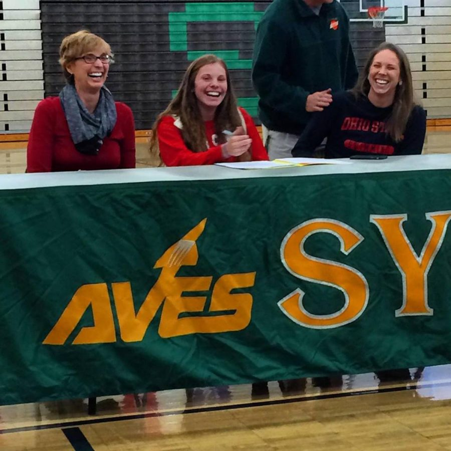 Senior+Cara+Norris+signed+her+letter+of+intent+to+swim+at+The+Ohio+State+University+in+front+of+many+family+members+and+friends+on+Fri.+Nov.+21.+She+is+the+second+athlete+to+sign+this+year.