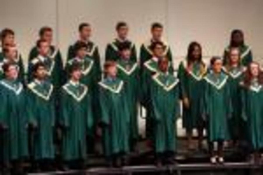 The+SHS+choir+last+year.+Holdt+has+been+working+hard+to+make+sure+that+the+choir+maintains+its+reputation+as+one+of+the+best+in+state.++%22i+love+working+hard+and+singing%22+sophomore+Andrew+Rines+said.