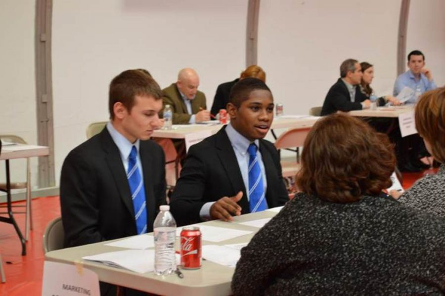 Once time is up to work on solving their scenario, competitors must present their answer to a panel of judges. Presenting a role play requires professional skills that many students don't learn during their high school years. Marketing students learn effective communication skills and develop their professional capabilities.