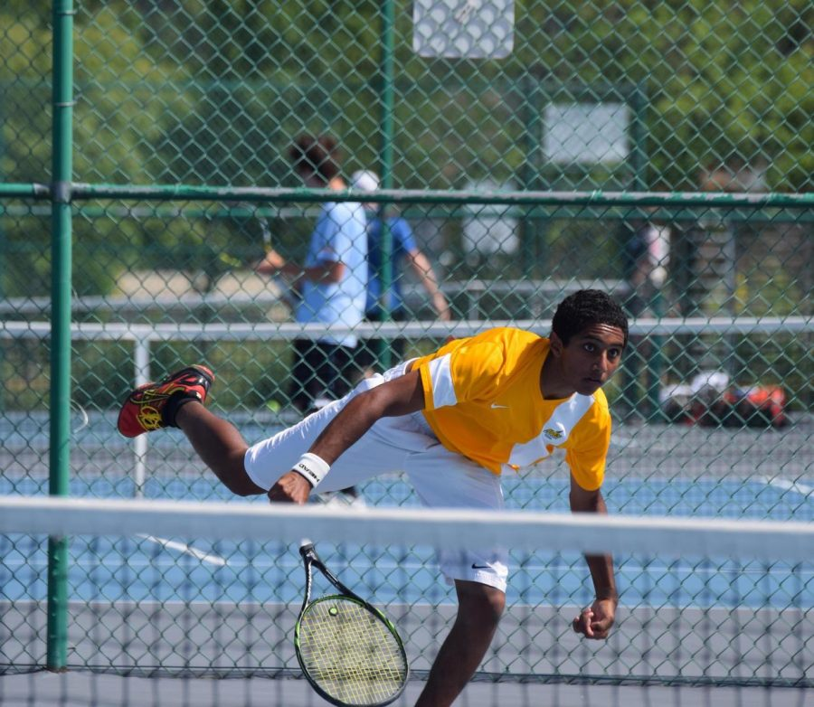 Senior Aditya Venkitarama placed fourth in the Southwest District Tournament. This finish booked his spot to the individual OHSAA State singles tournament at Ohio State on May 29. He will then compete Sun. May 31 in the OTCA Team State Tournament at Reynoldsburg High School along with his other teammates.