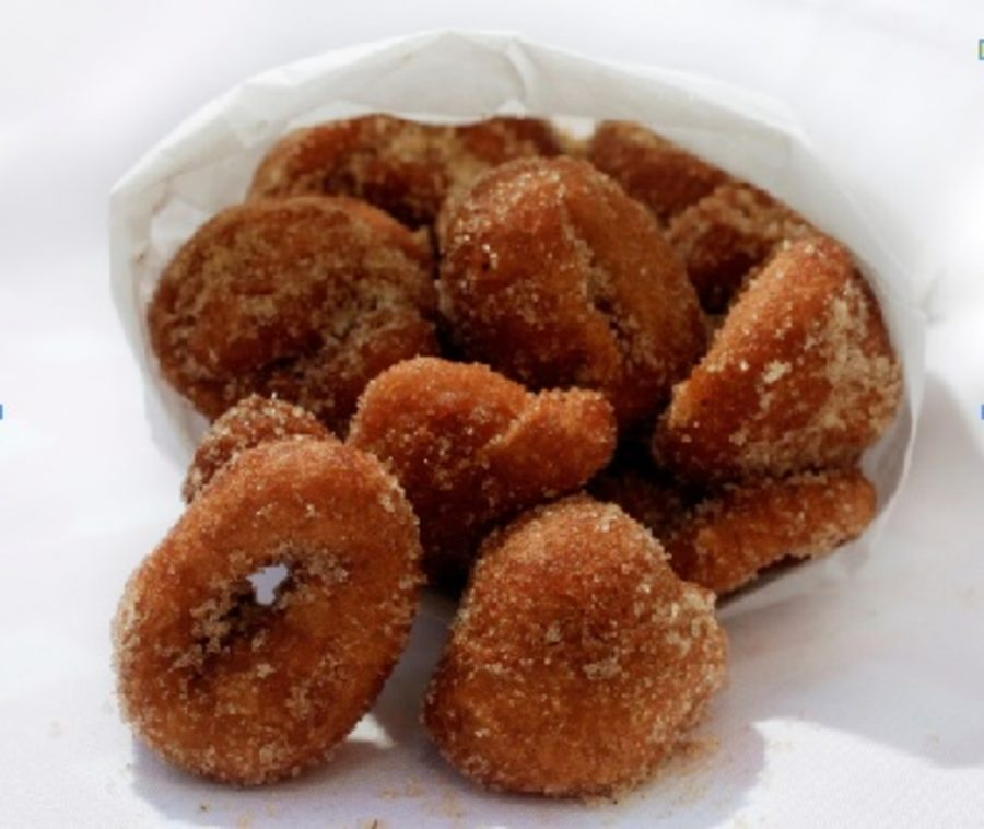 Donuts+have+become+a+staple+in+America+this+past+decade.+One+shop+that+recently+opened+and+is+dedicated+to+serving+donuts+near+Xavier+University+is+called+Top+This+Donut+Bar.+Top+This+offers+myriad+types+of+donuts%2C+glazing%2C+and+toppings.