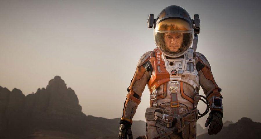 Matt+Damon+as+NASA+botanist+Mark+%0AWatney+walking+alone+on+the+surface+of+Mars.+Most+scenes+Damon+are+in+he+filmed+alone.+He+did+not+even+meet+some+of+the+other+main+cast+members+during+filming.%0A