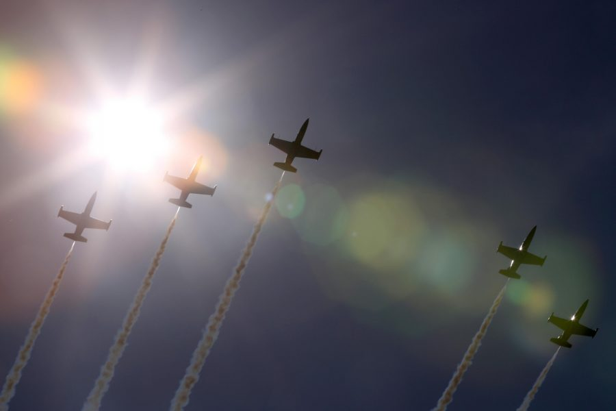 Jets+from+the+Breitling+Jet+Team%2C+made+up+of+seven+L-39C+Albatros+aircraft%2C+fly+over+Gary%2C+Ind.%2C+on+Thursday%2C+Aug.+13%2C+2015%2C+amid+practice+for+the+Chicago+Air+and+Water+Show.+%28Antonio+Perez%2FChicago+Tribune%2FTNS%29