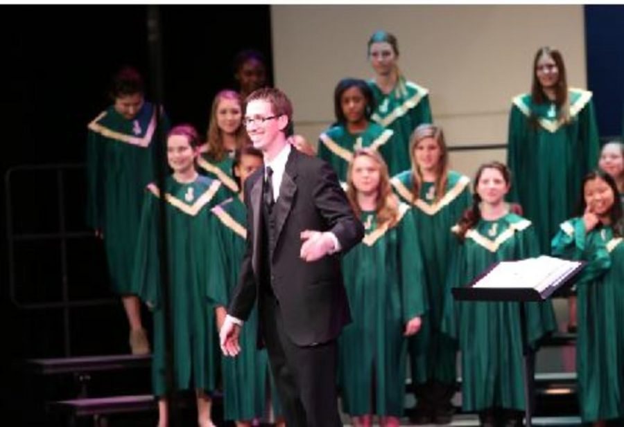 Last+year%E2%80%99s+choir+concert+showcased+a+variety+of+students%E2%80%99+voices+and+talent.+All+curricular+and+extracurricular+ensembles+performed+in+various+styles+and+languages.+Thanks+to+the+hard+work+and+dedication+of+the+choir+students+this+years+concert+is+bound+to+be+a+success.+