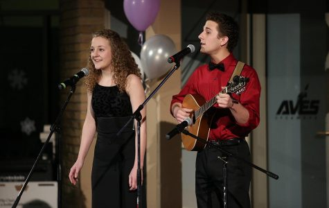 Students sing the night away with Cabaret
