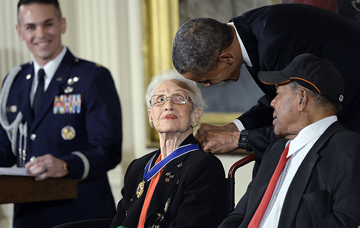 IT%E2%80%99S+AN+HONOR.+Former+U.S.+president%2C+Barack+Obama+gives+Katherine+Johnson+the+presidential+medal+of+freedom+in+2015.+The+presidential+medal+of+freedom+is+the+highest+civilian+honor+that+a+U.S.+citizen+can+earn.+Katherine+received+it+because+of+her+significant+contributions+to+NASA%2C+particularly+her+calculations+for+America%E2%80%99s+first+human+spaceflight+%28with+Alan+Shepard%29.