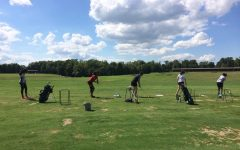 Golfers swing into year