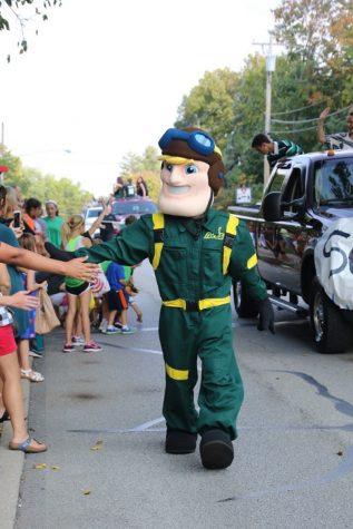 Parade showcases HOCO spirit