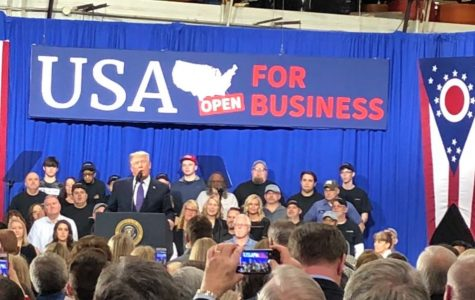 Trump speaks to crowd of supporters