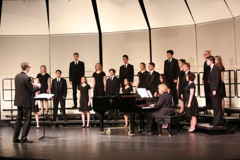Choral program sings way to state