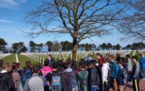 Young historians honor fallen soldiers