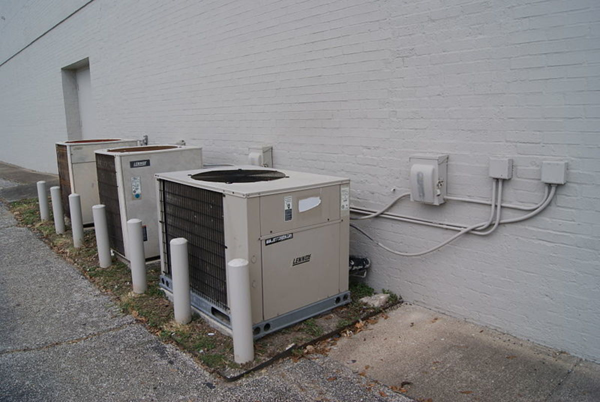 WOW. This photo shows a line of air conditioners. The state of Ohio is debating passing a bill that will use school funds to provide air conditioning in the whole school. This is because students' performance is impeded when the climate is not ideal.
