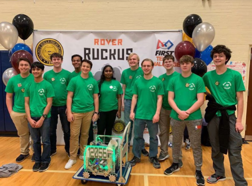 SMILING+FOR+STATES.+The+SHS+Robotics+team+pose+for+a+picture+at+the+2019+Regional+First+Tech+Challenge+competition%2C+where+they+won+five+awards.