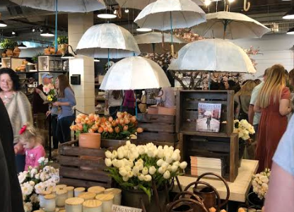 MAKE IT TO THE MARKET. Your trip is not complete without stopping by Magnolia Market at the SIlos. Upon entering the Market's main shop, you are greeted by a beautiful seasonal display.