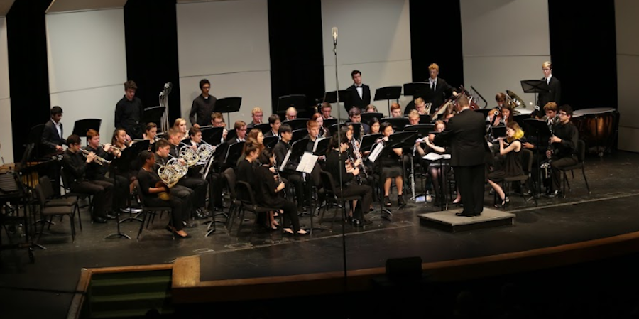 SHS plays concert
